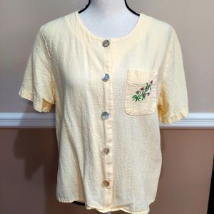 VINTAGE BUTTON DOWN WOMEN'S TOP. BUTTER COLORED.